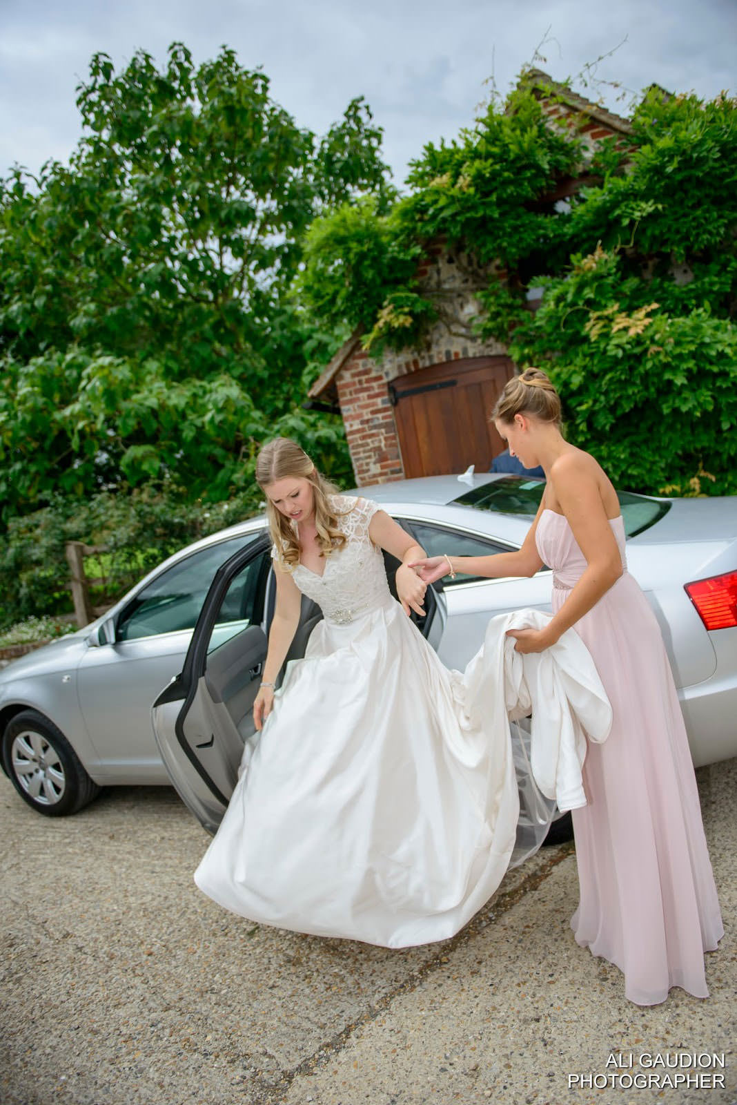 ali-gaudion-chichester-wedding-photograper-september-tithe-barn-004
