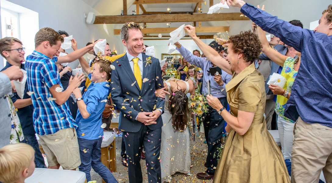 ali-gaudion-chichester-wedding-photographer-mellow-yellow-southend-barns-004