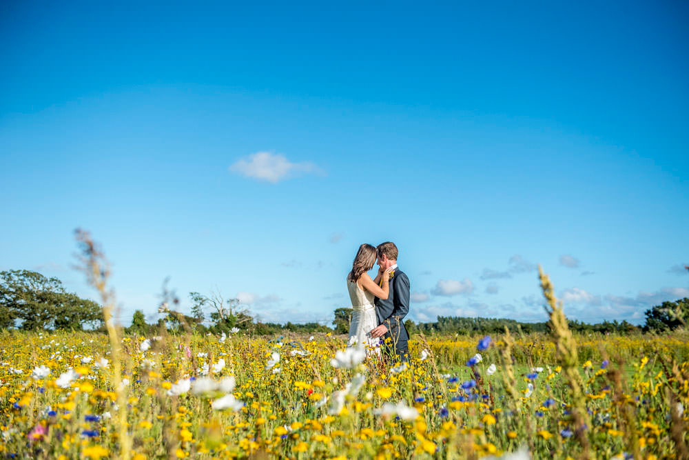 ali-gaudion-chichester-wedding-photographer-mellow-yellow-southend-barns-007