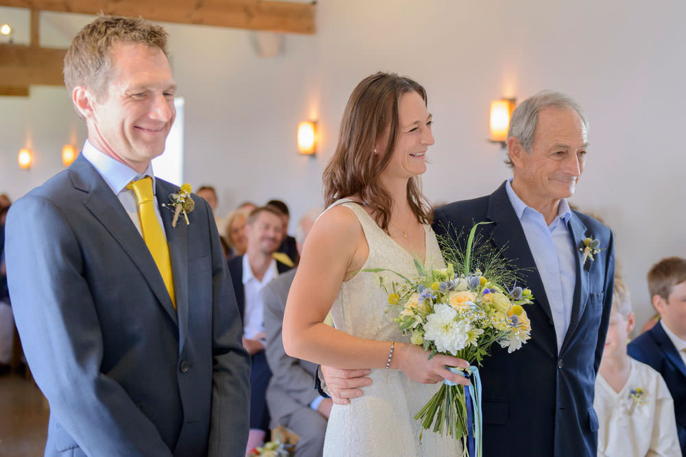 ali-gaudion-chichester-wedding-photographer-mellow-yellow-southend-barns-027