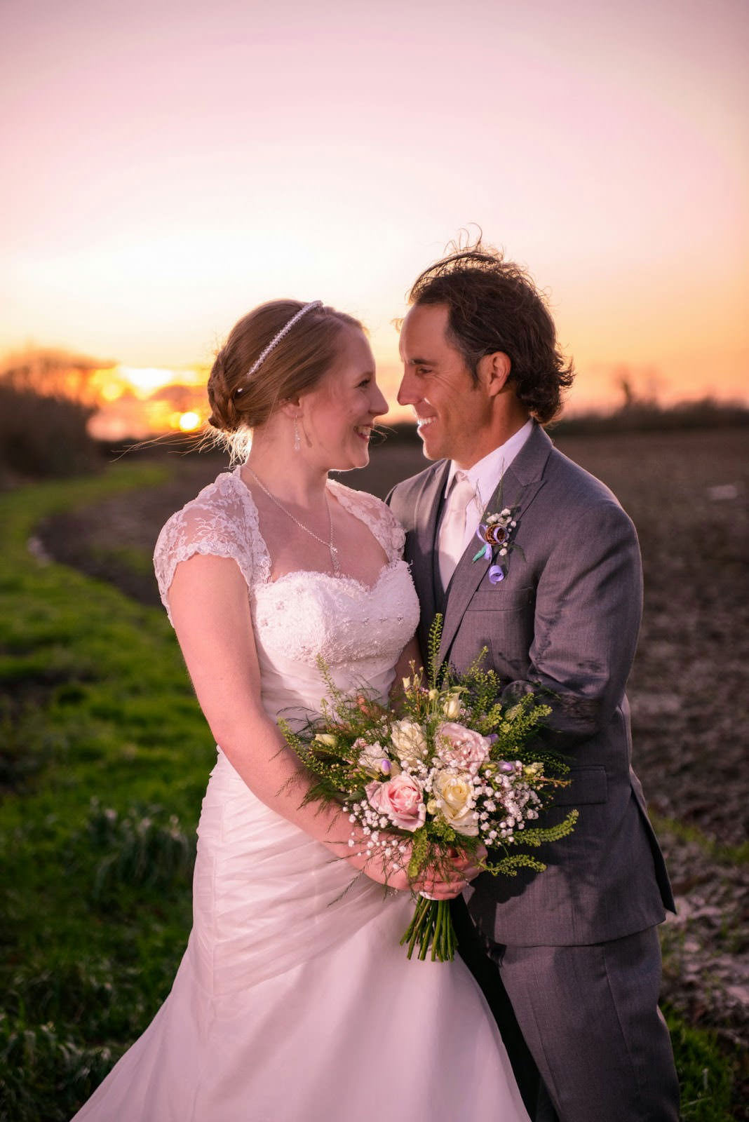 ali-gaudion-chichester-wedding-photographer-southend-barns-winter-wedding-005