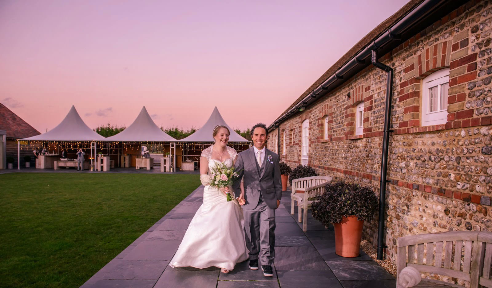ali-gaudion-chichester-wedding-photographer-southend-barns-winter-wedding-006
