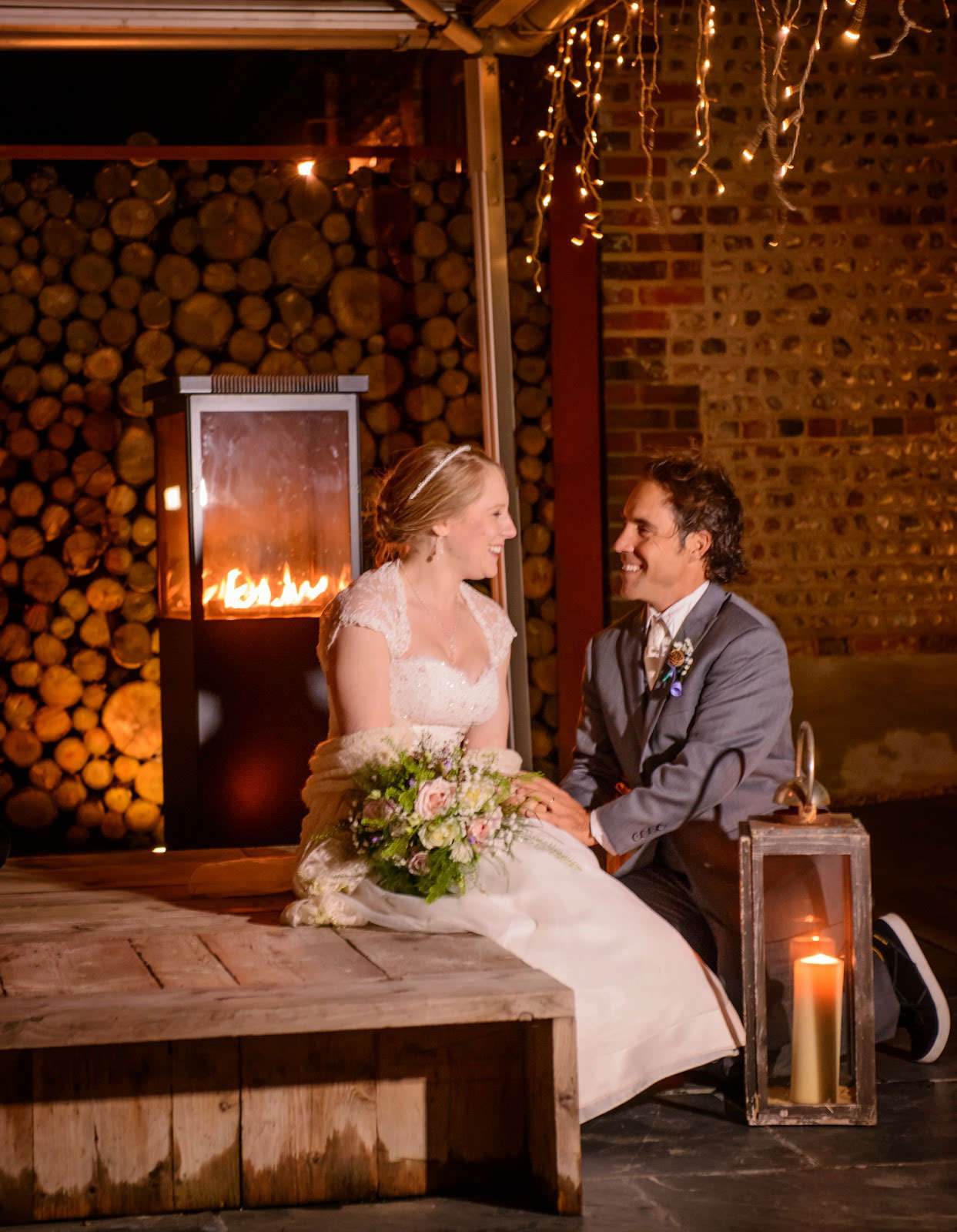 ali-gaudion-chichester-wedding-photographer-southend-barns-winter-wedding-009