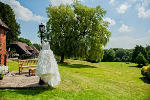 ali-gaudion-chichester-wedding-photography-lythe-hill-001