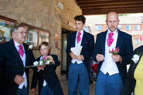 ali-gaudion-chichester-wedding-photography-lythe-hill-005