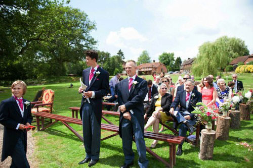 ali-gaudion-chichester-wedding-photography-lythe-hill-007
