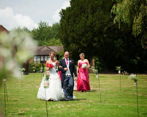 ali-gaudion-chichester-wedding-photography-lythe-hill-009