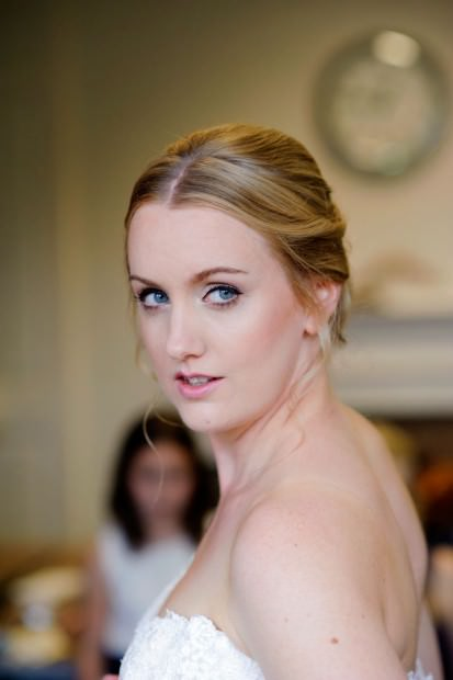 ali-gaudion-hampshire-wedding-photographer-new-place-devere-hotel-southampton-021