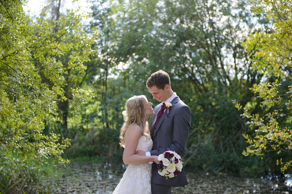 ali-gaudion-wedding-photographer-chichester-skylark-golf-country-club-hampshire-017