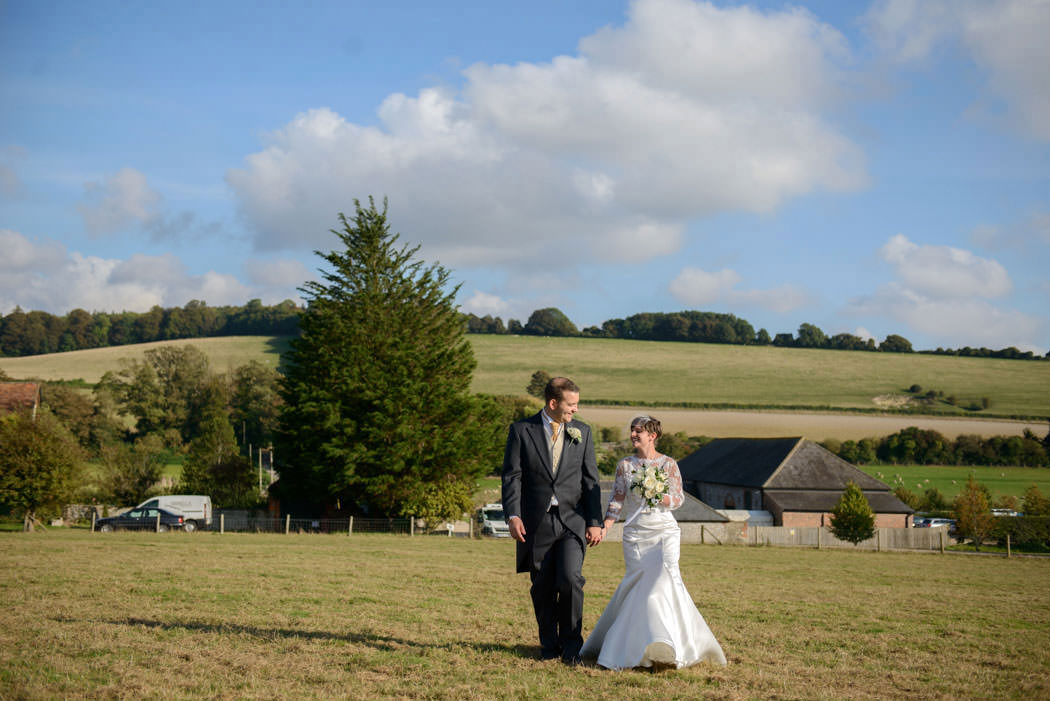 chichester-wedding-photographer-farbridge-barns-chichester-024