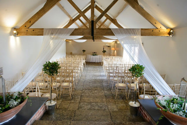chichester-wedding-photographer-farbridge-barns-chichester-043