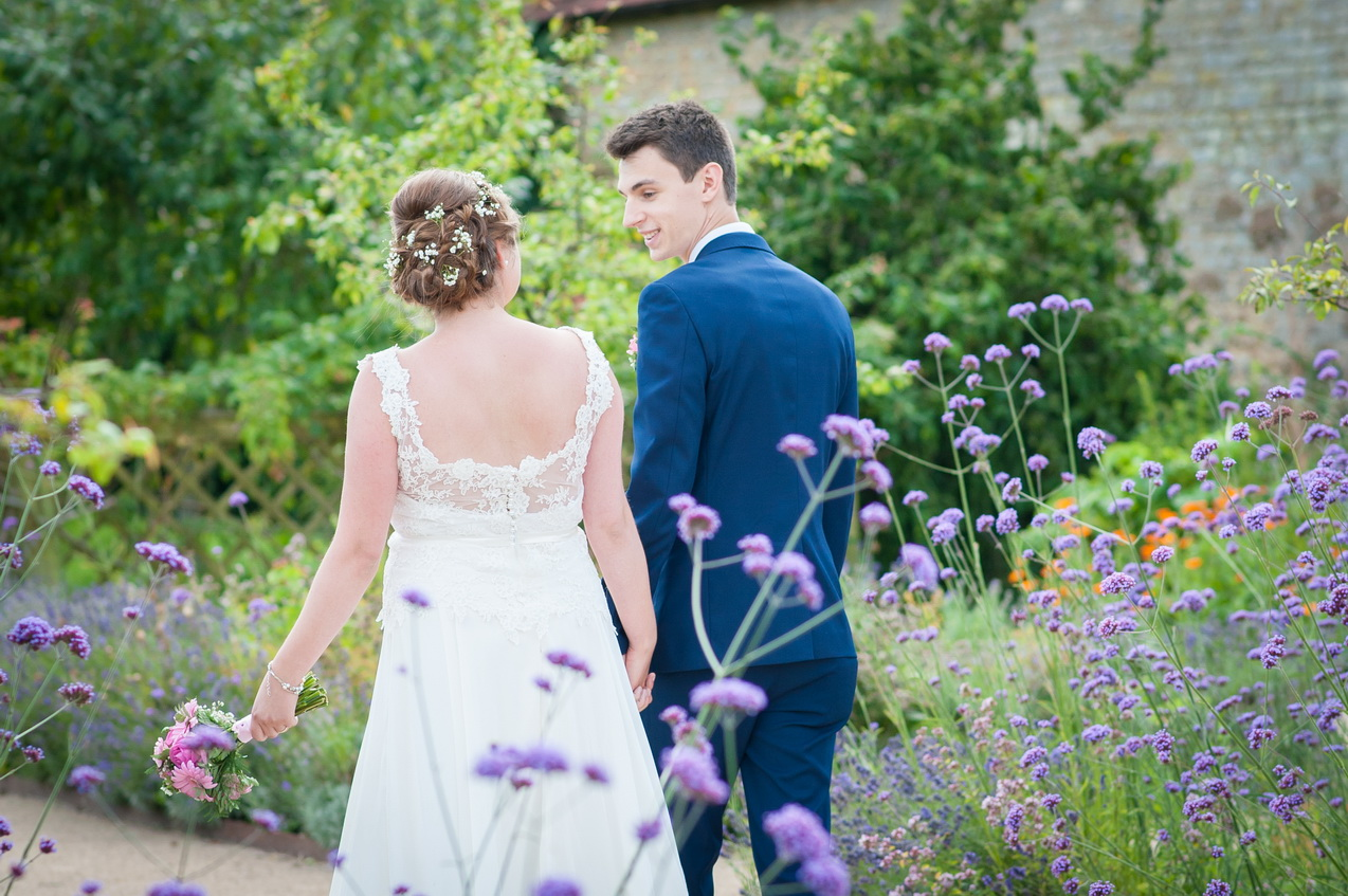garden venue in hampshire wedding
