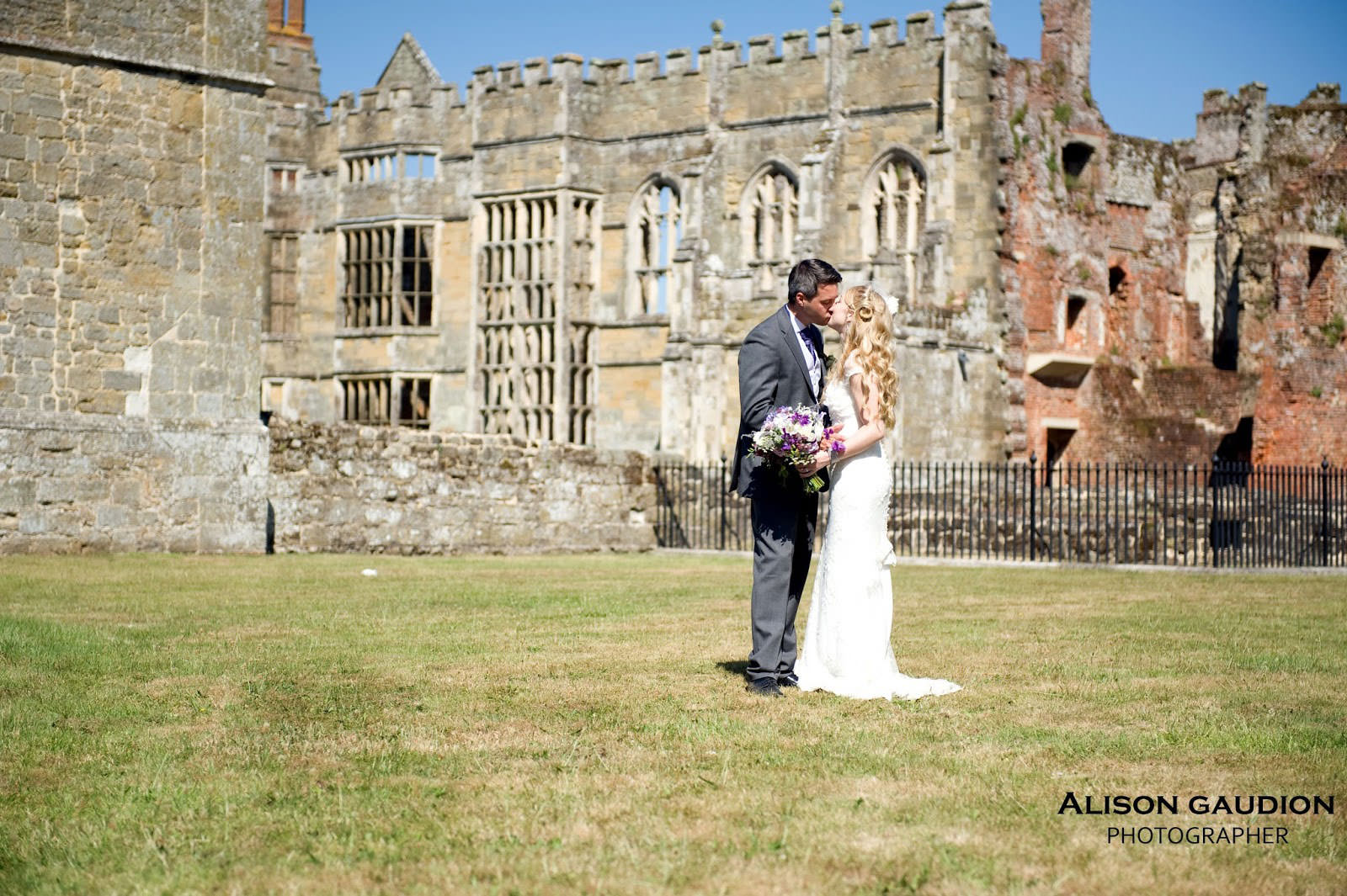 wedding+photo+chichester+cowdray+park+30