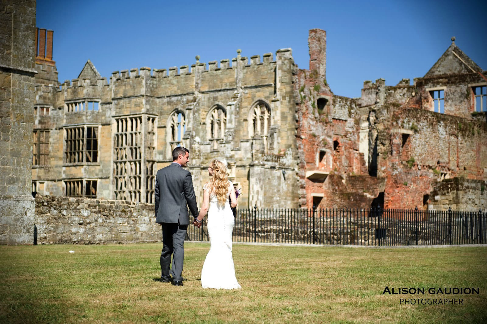 wedding+photo+chichester+cowdray+park+31
