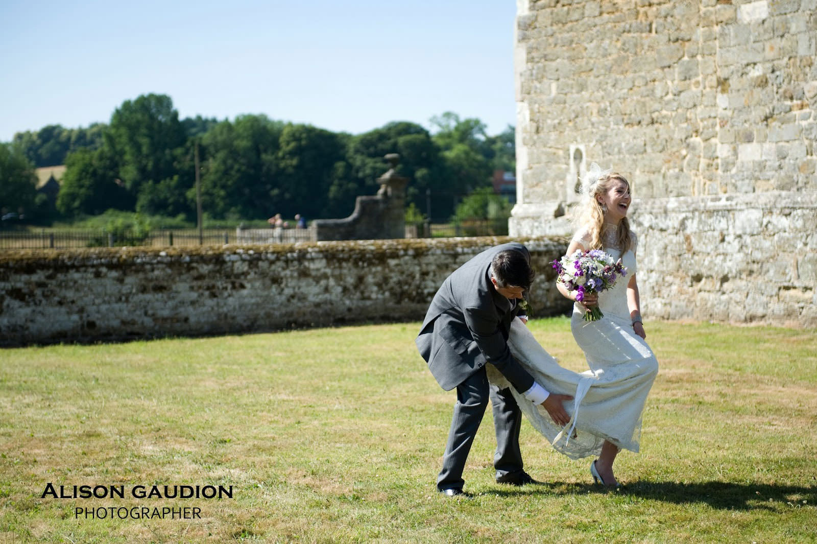 wedding+photo+chichester+cowdray+park+35