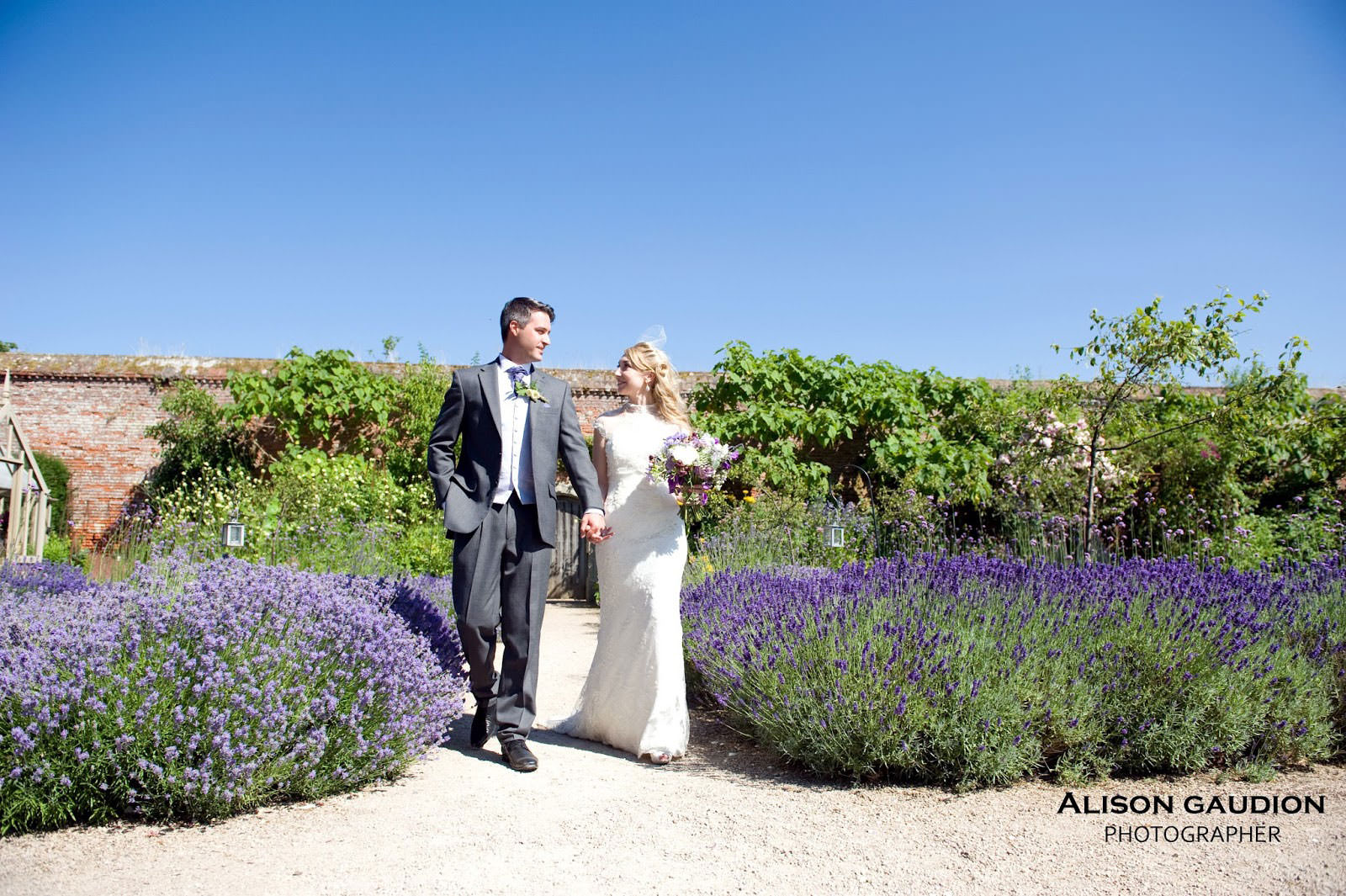 wedding+photo+chichester+cowdray+park+39
