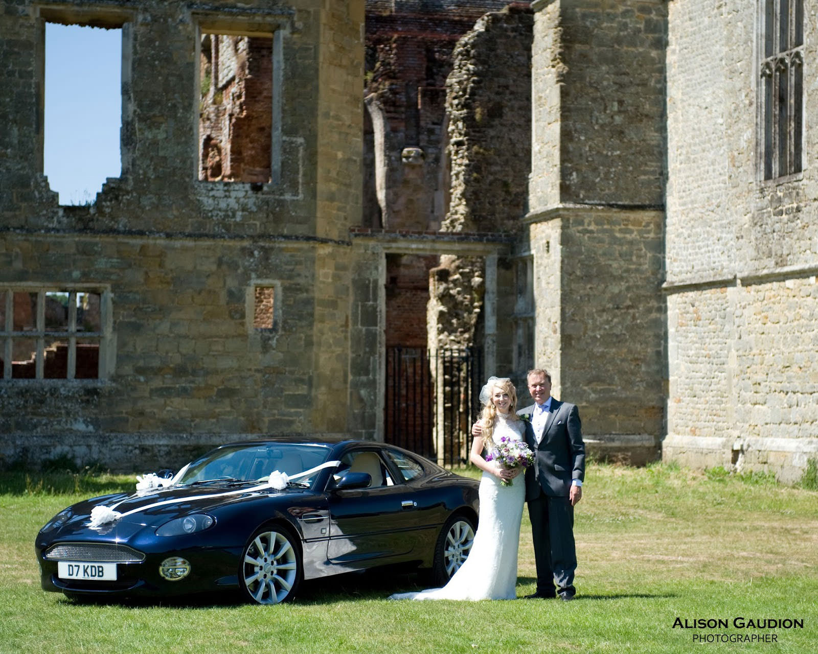 wedding+photo+chichester+cowdray+park+7